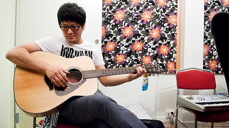 KT Park er en av Sør-Koreas mest anerkjente låtskrivere og har en rekke topplasseringer på hitlistene blant merittene. Foto: Eirik Indergaard.