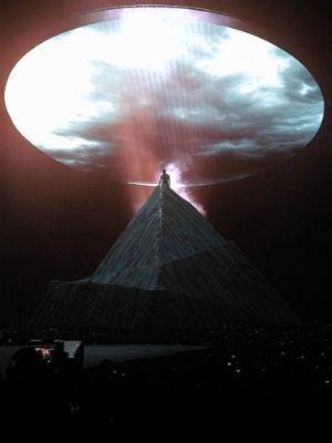 Kanye West avbildet under Seattle-konserten på lørdag. (Foto: childishgvmbino.tumblr.com)