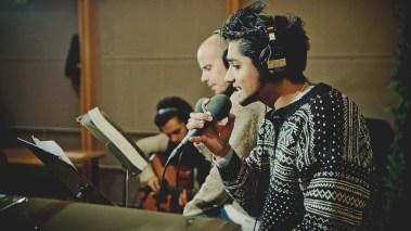 Chirag og Magdi synger live i Popsalongen. (Foto: Jonas Jeremiassen Tomter, NRK P3)