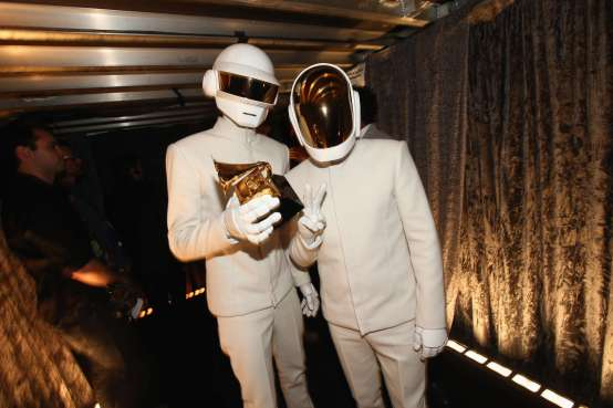"""Thomas Bangalter og Guy-Manuel de Homem-Christo,, også kjent som Daft Punk vant """"Album of the Year"""" og """"Best Pop Duo/Group Performance"""" (Foto: Christopher Polk/Getty Images/AFP)"""