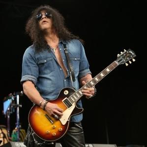 Slash har de siste årene fokusert på solokarrieren sin, og holder seg fortsatt oppdatert på nye metalband. (Foto: NTB Scanpix, Jesse Grant)