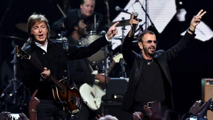 McCartney og Starr sammen på scenen under helgens seremoni. Foto: NTB Scanpix, AFP, Mike Coppola