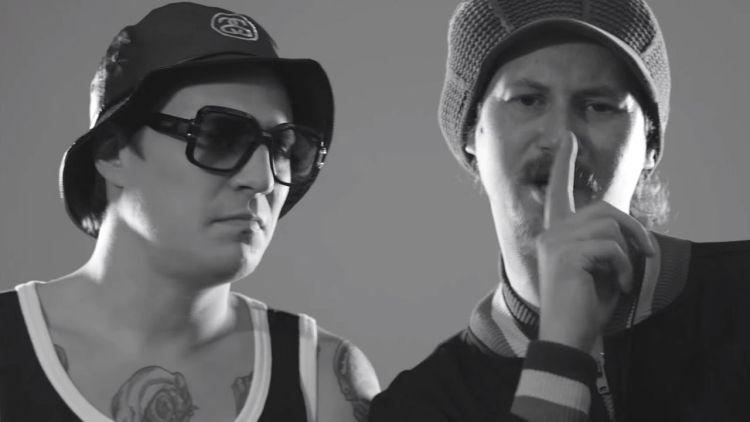 """OnklP og Admiral P i """"Hatere""""-videoen. Skjermdump, YouTube"""