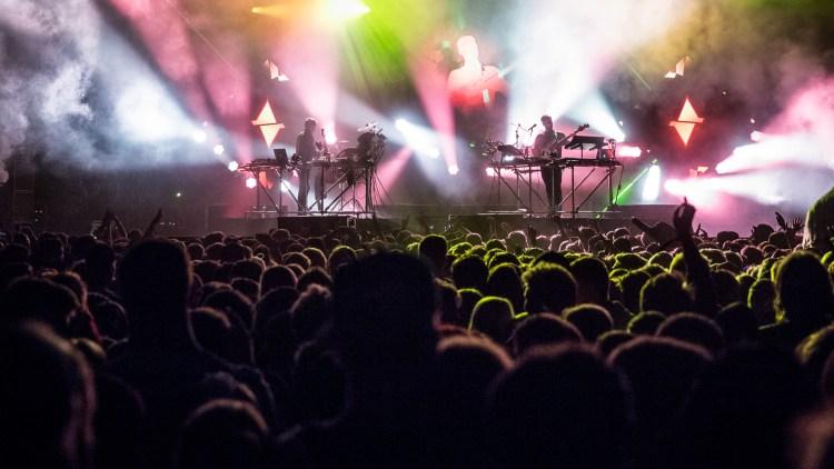 Disclosure avbildet på Hovefestivalen 2014. Etter suksessen med Settle, forsøker de igjen med Caracal som lanseres snart. Foto: Kim Erlandsen, NRK P3