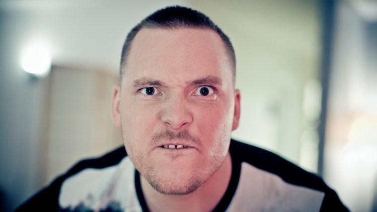 En innbitt Niklas Baarli skal rappe i kveld. Foto: Tom Øverlie, NRK P3
