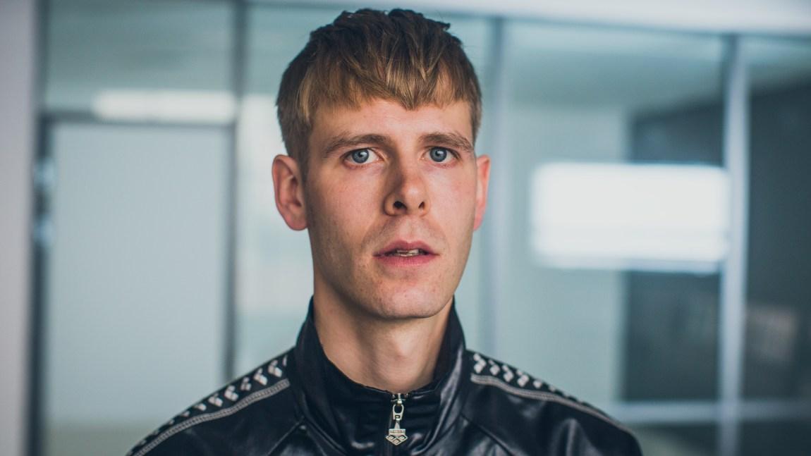 På tross av at hiphop-miljøet i Norge er brennhett for tida, mimrer Lars Vaular til tida der han ennå prøvde å få respekt som veldig spennende. Foto: Tom Øverlie/NRK P3.