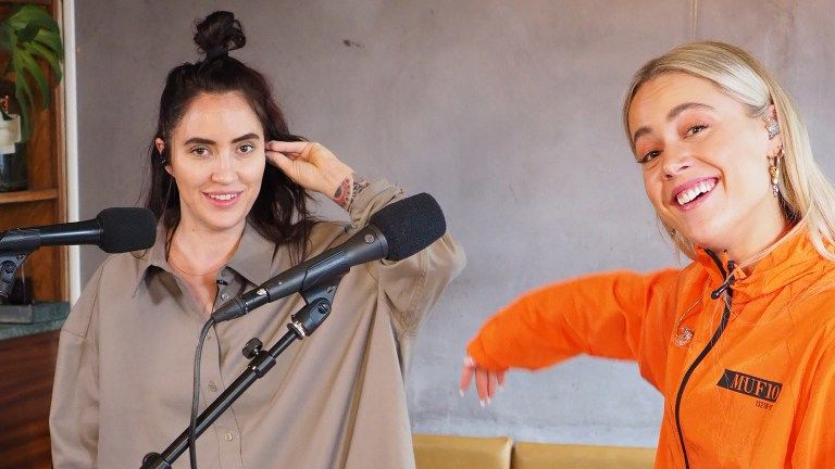Se Julie Bergan og Ingrid Helene Håvik tolke Billie Eilish