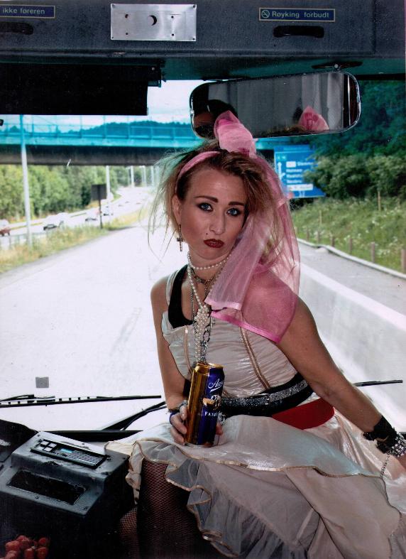 Ett bilde av meg utkledd som Madonna i mitt utdrikkingslag sommeren 07. Har elsket Madonna hele mitt liv og det var helt naturlig at jeg måtte være utkledd som henne og også synge inn Like a Virgin i studio på denne dagen! Ingelin
