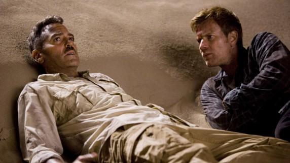 """George Clooney og Ewan McGregor i """"Menn som stirrer på geiter"""" (Foto/Copyright: Sandrew Metronome)."""