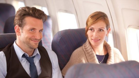 "Bradley Cooper og Julia Roberts i ""Valentine's Day"" (Foto/Copyright: Warner Bros./Sandrew Metronome)."