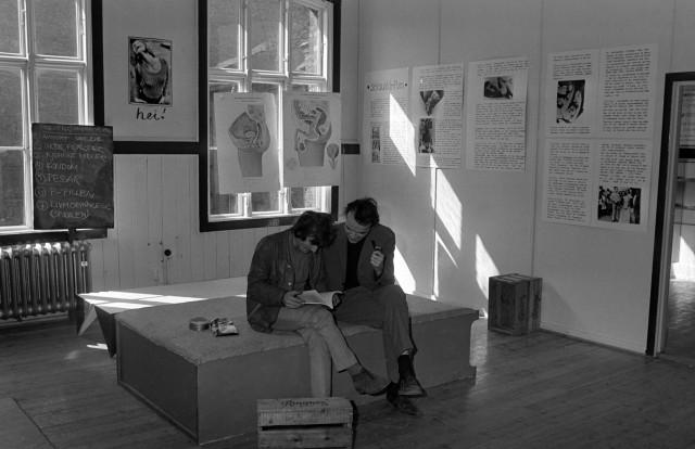 Ungdom har i alle tider vært nysgjerrige på sex. (Her under en seksualundervisning på Vaterlands skole i 1969.) (Foto: NTB/Scanpix)