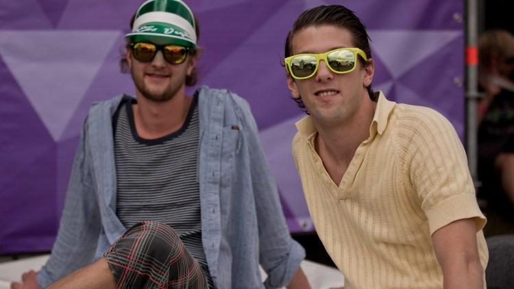 Fredrik Magelssen og Eirik Wulfsberg Fallingen syns den gode musikken er best ved Extrema Outdoor. (Foto: Rashid Akrim, NRK P3)