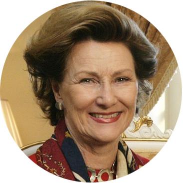 """Kan dronning Sonja være en aktuell date i den kommende sesongen av """"Typen til""""? (Foto: Anne Liv Ekroll/NRK)"""