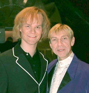 """En av de mest kjente deltagerne i Stjerner i Sikte var kanskje """"Kjell-Inge"""" som opptrådte som Sting."""