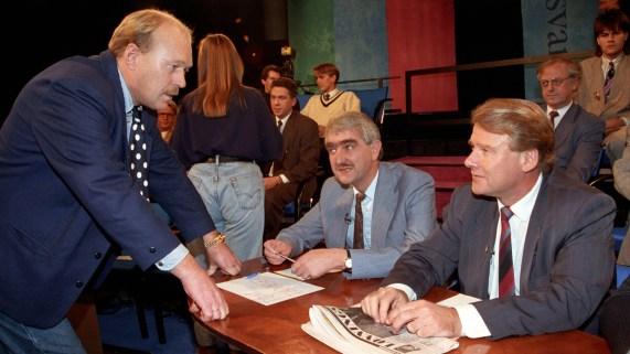 "Per Ståle Lønning i Fra TVNorges debattprogram ""Klart Svar"" fra 1992. Også med på bildet: stortingsrepresentant for AP, Tom Thoresen, og daværende partileder i FrP Carl I. Hagen."