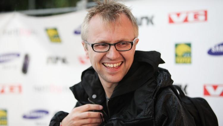 Håkon Moslet, redaksjonssjef for TV i P3 og ansvarlig i NRK for VG-lista Topp 20 Rådhusplassen, gleder seg stort til kveldens storslåtte show. Foto: Rashid Akrim, NRK P3