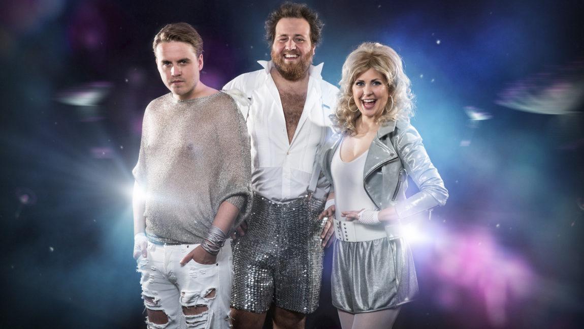 Markus Ekrem Neby, Ronny Brede Aase og Silje Nordnes er klare for årets Eurovision Song Contest. (FOTO: Kim Erlandsen/NRK P3).