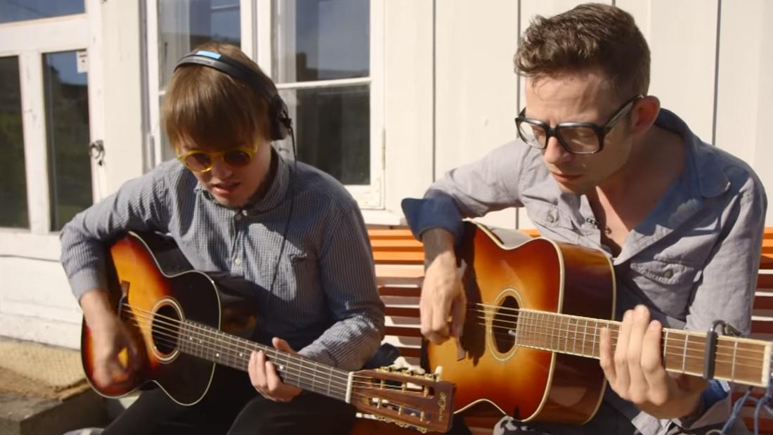 Bernhoft og Markus syng på norsk