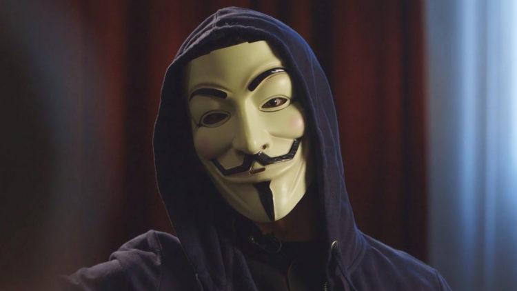 «Anders» ønsker å være fullstendig anonym. Det han holder på med er ulovlig, men han føler likevel han får tatt igjen mot samfunnet. Foto: Skjermdump, NRK.