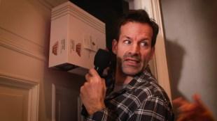 Video: Jon Almaas er handyman hos Else