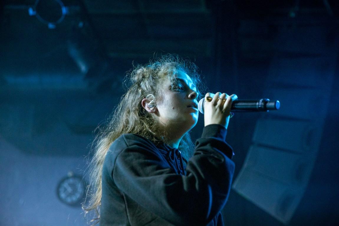 Et bilde av LUNA på scenen