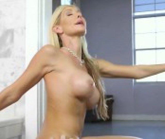 Mature Vixen Tylo Duran Gets Nailed And Creamed