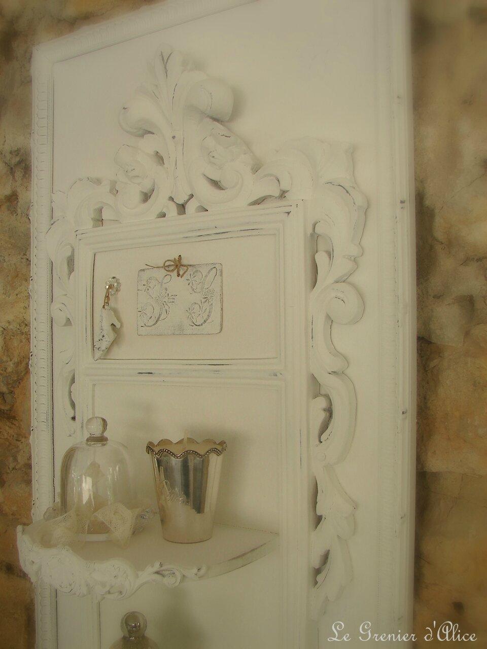 Nouveaut  cadre avec tagres pour chambre ou salle de bains romantique shabby  Le Grenier