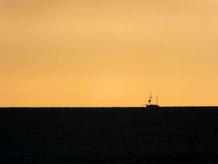 plage-sainte-anne-la-palud-finistere-baie-douarnenez-bretagne-atlantique-vagues-pipit-char-a-voile-coucher-soleil-mouettes (17)