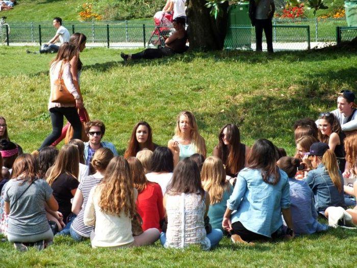 compte-rendu-meet-up-paris-parc-monceau-youtubeuses-Kihouu-LittleJbeauty-Unmondeauféminin-Dazzlingdrew-xMyamelie-RevaChannel-LOdoesmakeup-SoBretonne-EnjoyPhoenix (6)