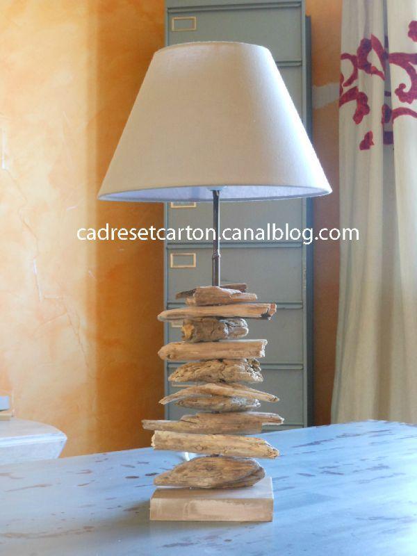 Lampe En Bois Flott Les Cadres Et Meubles En Carton De Vro