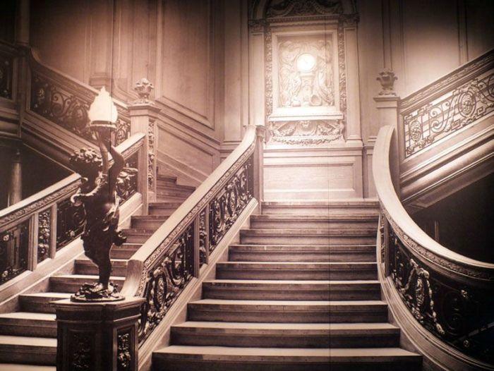 exposition-titanic-paris-porte-de-versailles-photos-art-nouveau-cabine-premiere-troisieme-classe-couloir-porte-reconstitution-decors-grand-escalier-iceberg (16)