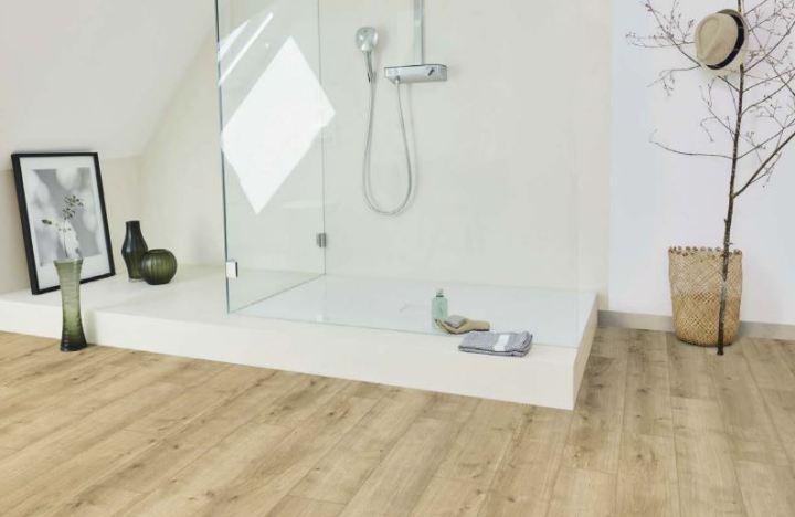 Parador Modular ONE Design Parkett Eiche Pure hell im Badezimmer