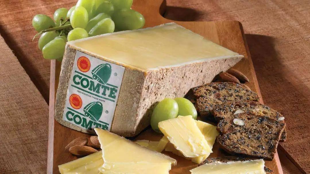 西餐中奶酪為什么那么受寵?法國常見奶酪品類大揭秘_Tom