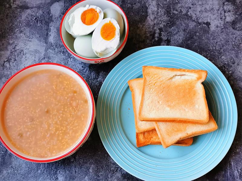 原創  70后女人的極簡早餐,簡單3樣10分鐘做好,網友:輕鬆學會