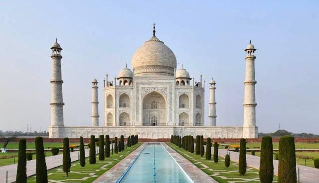 印度泰姬陵遭雷暴重击,主大门和部分栏杆遭到损坏_建筑