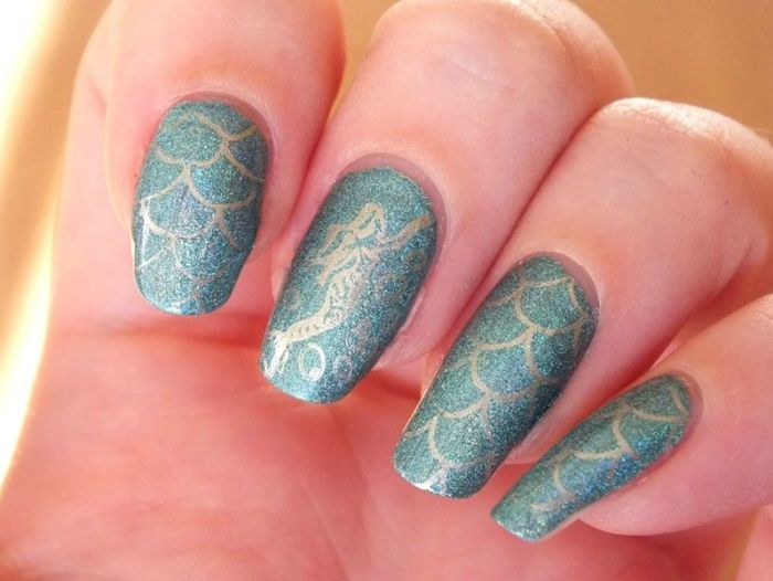 nailstorming-nail-art-ocean-mer-mermaid-sirene-cheeky-princess-kiko-holographic-dean-nailmatic (4)