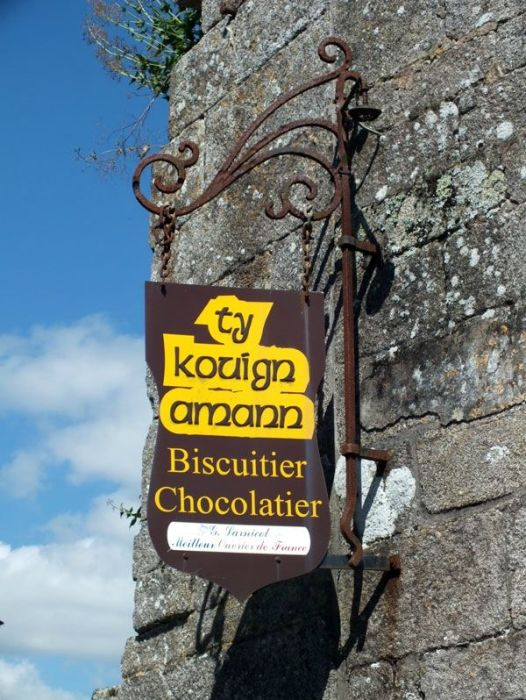 locronan-bretagne-finistere-touristique-boutiques-specialité-bretonnes-authentique-village-de-caractere-chocolatier-hortensias-chouans-monuments-historiques (2)