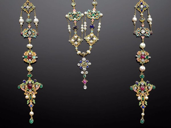 """ Present Revival Jewelry"" Mfa Boston - Alain"