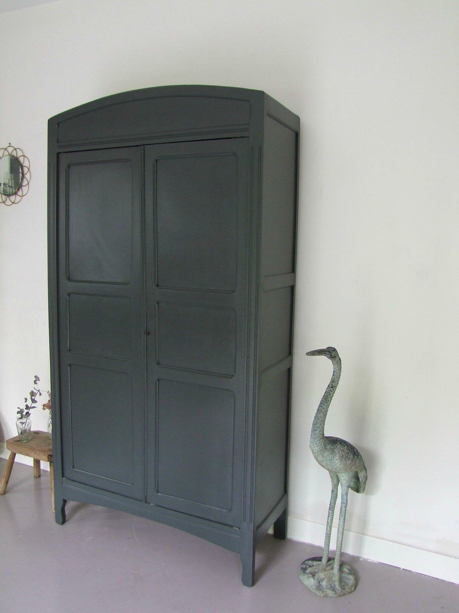 armoire parisienne vintage hirondelle