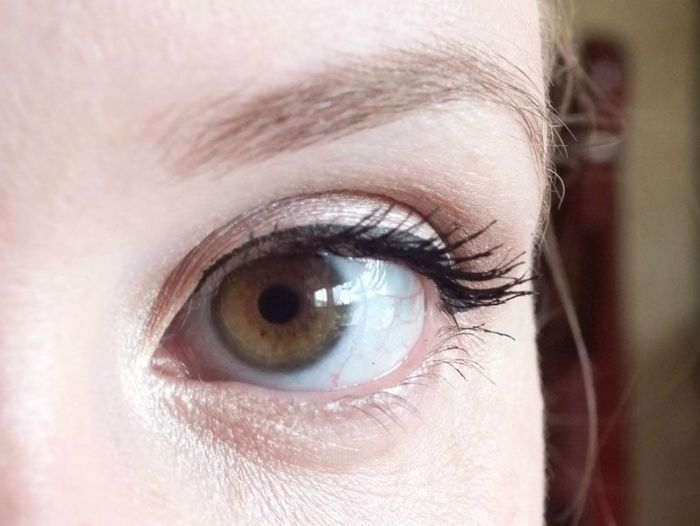 mascara-bourjois-volume-glamour-max-brosse-cils-test-swatch-maquillage-makeup-yeux (6)