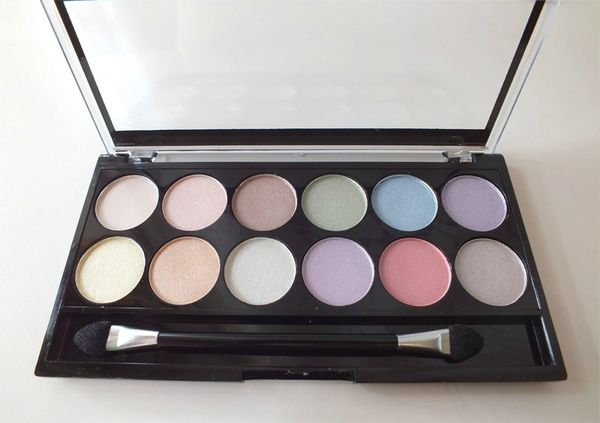 Palette-pretty-pastels-mua-makeup-academy_swatch-review (2)