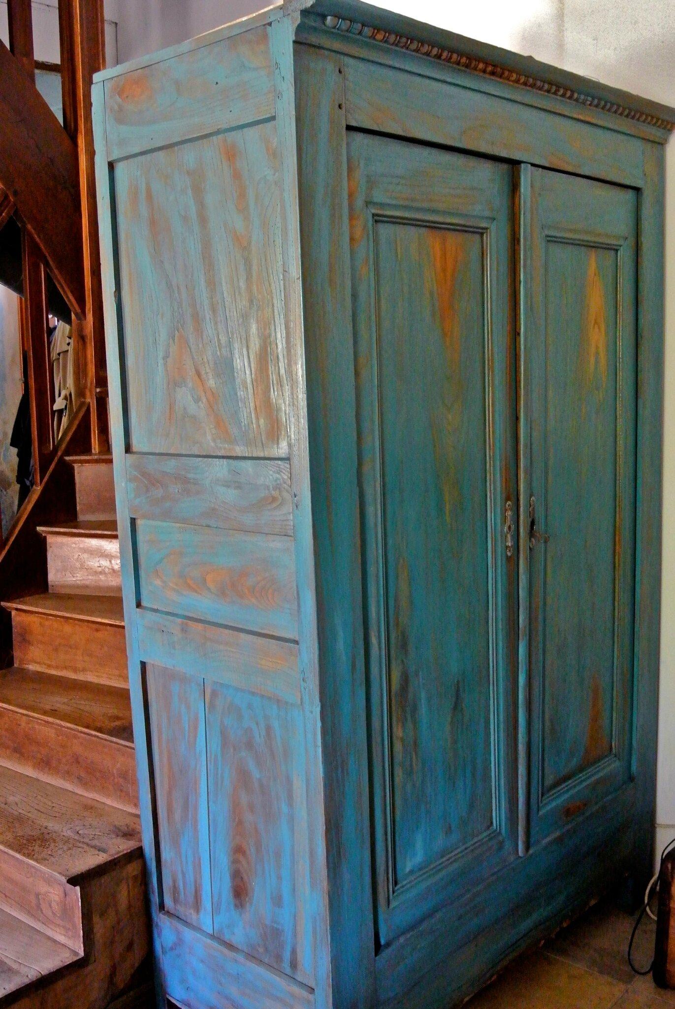 Une Armoire Arty En Bleu Barbatruc Et Rcup