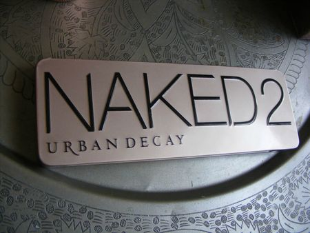 naked2-urbandecay-1