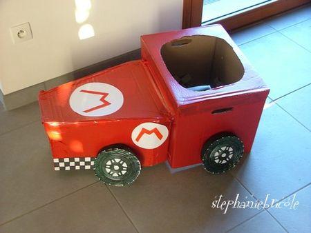 Faire une voiture en carton pour aller avec son
