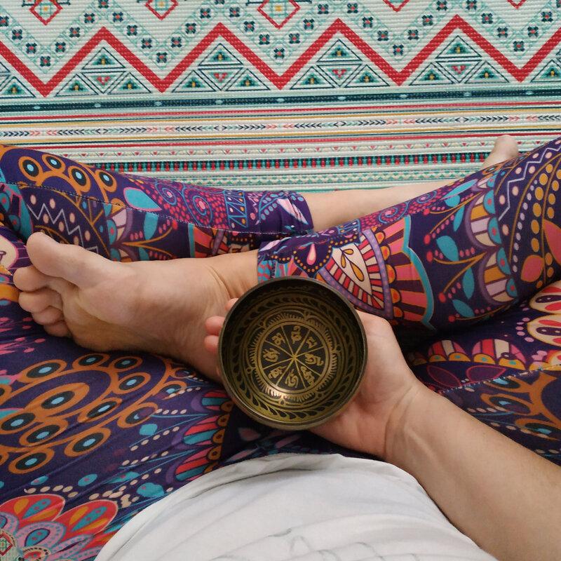 Méditation avec un bol tibétain