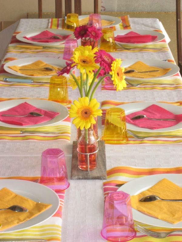 decoration de table jaune et orange