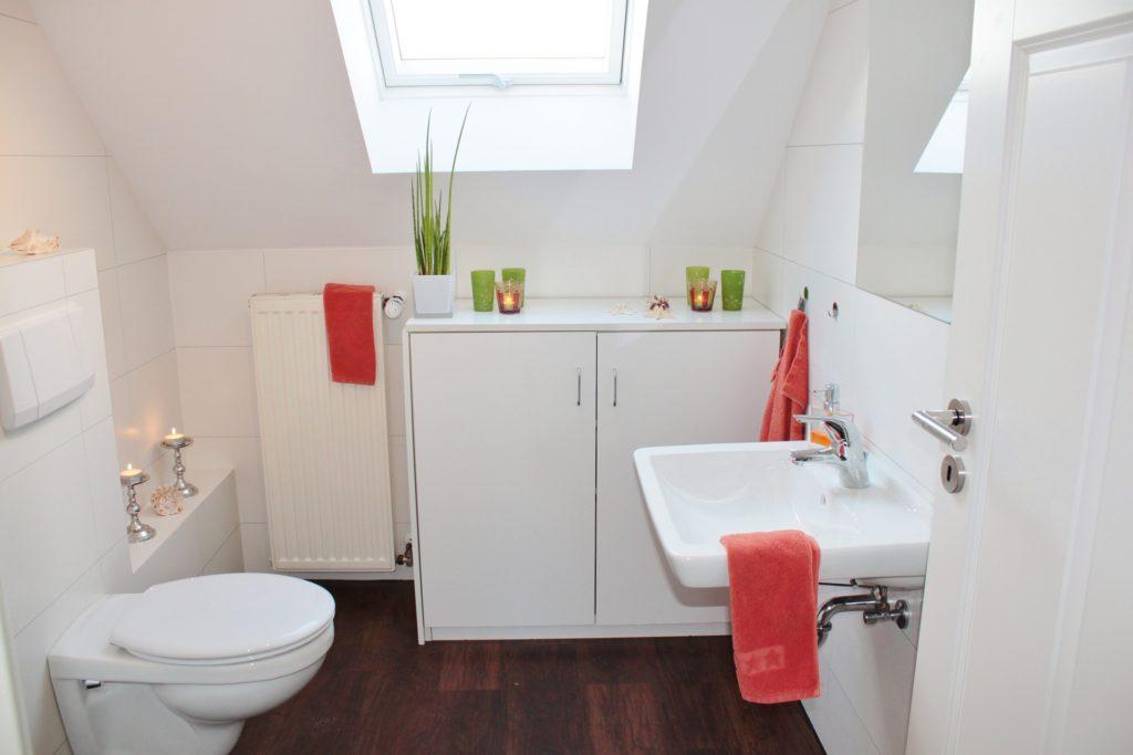 organise your bathroom space