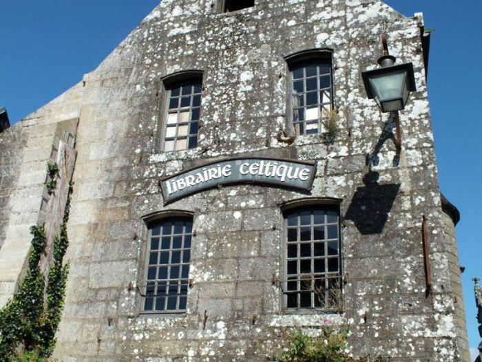 locronan-bretagne-finistere-touristique-boutiques-specialité-bretonnes-authentique-village-de-caractere-chocolatier-hortensias-chouans-monuments-historiques (12)