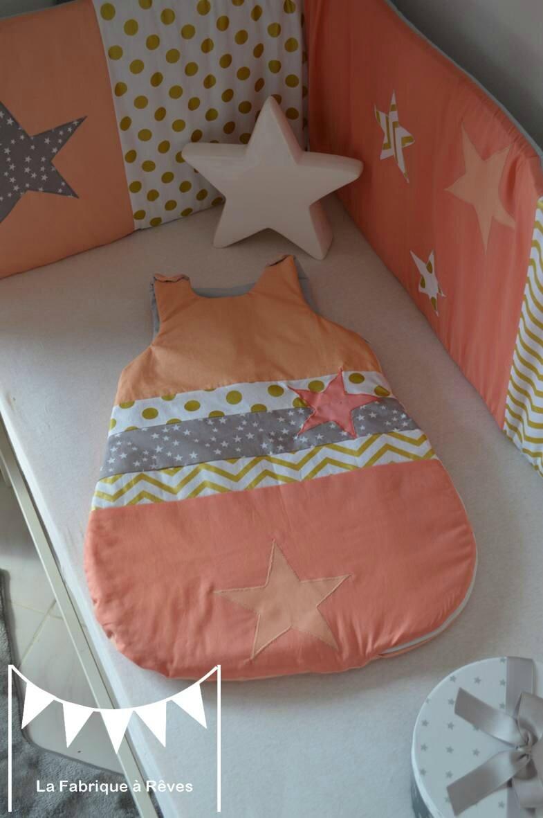 gigoteuse 06 mois bb fille abricot corail dor gris toiles chevron pois  Photo de