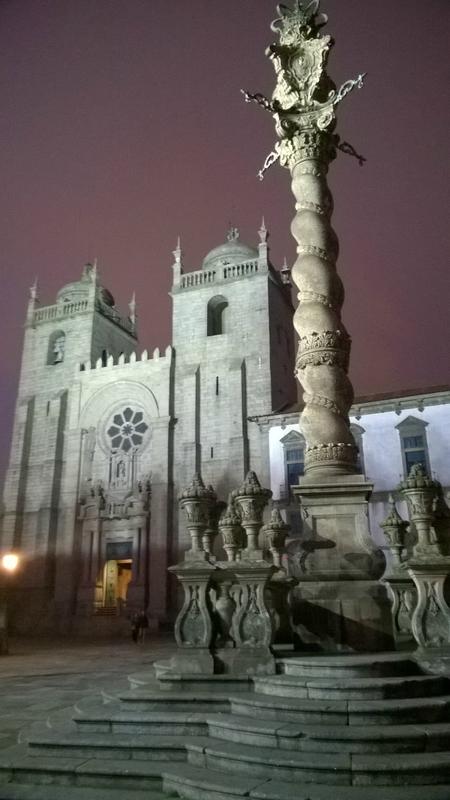 Cathédrale Sé de Porto, de nuit